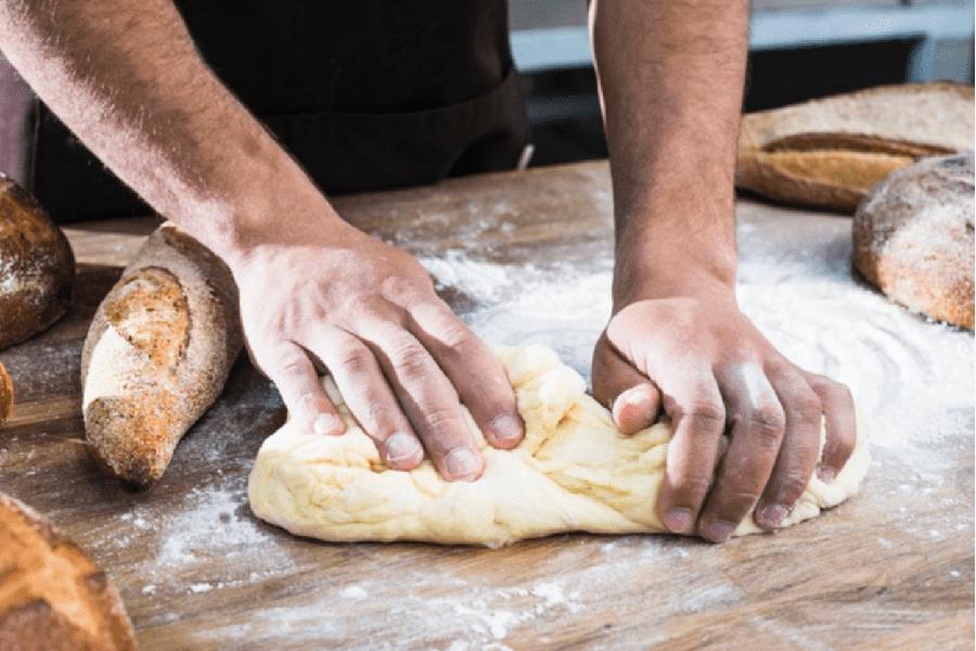 Cách làm vỏ bánh mì tam giác bánh mì tròn