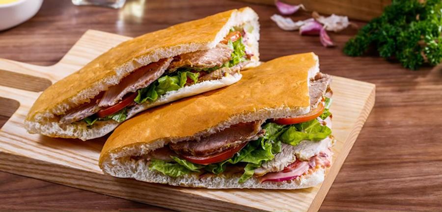 Cách ướp thịt bánh mì Doner Kebab đúng chuẩn
